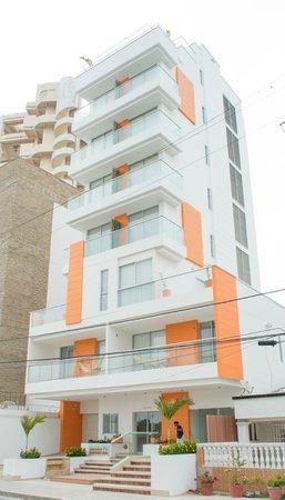 Hotel Cabrero Mar: Fachada (diurna) / Facade (daytime)