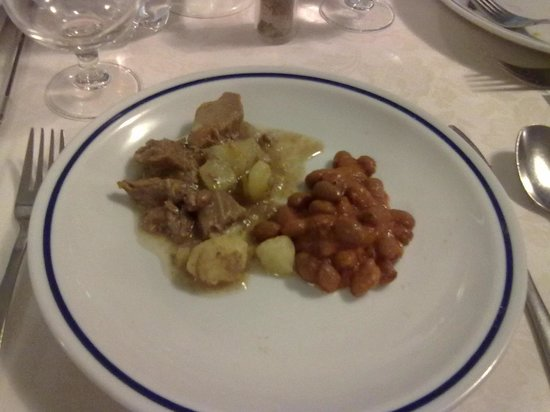 Hotel Residence Mediterraneo: I chose the stew for main course and felt short changed!