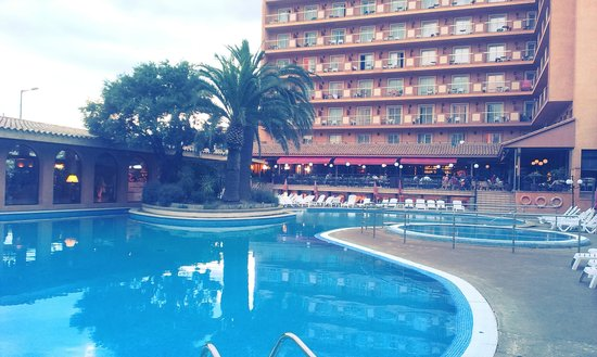 Luna Park Hotel: бассейн