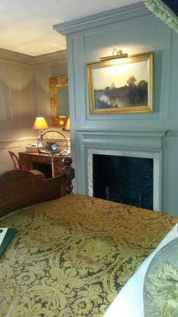 Hazlitt's: The Prussian Residents room