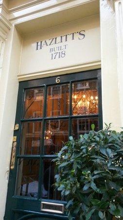 Hazlitt's: Entrance to hotel