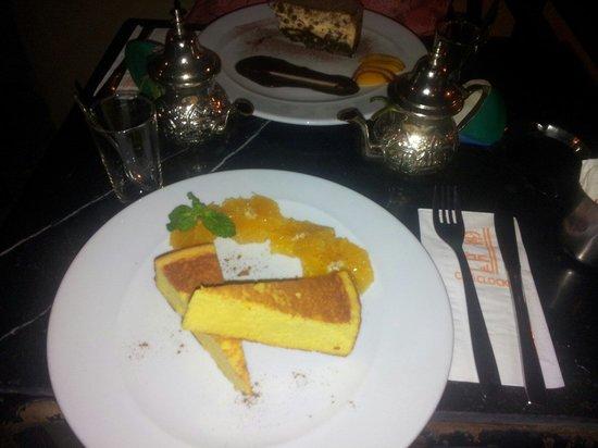 Cafe Clock: Cakes