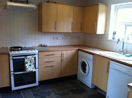 Crossgates, UK: Kitchen downstairs