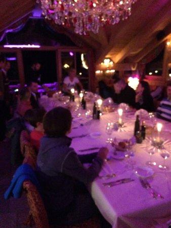 Angels & Demons Restaurant: Di notte....
