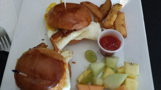 Anthony's Cheesecake: Bacon, Egg, & Cheese Sliders (Sunday Brunch Special)