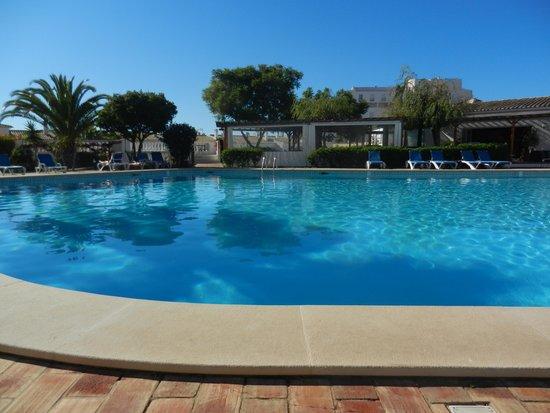 Luz Ocean Club: Garden Bar Pool