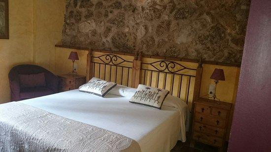 Hotel Moli De L'Hereu: Habitacion  Roquetes