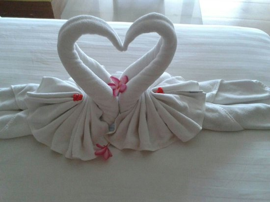 Sea View Resort & Spa Koh Chang: Cute swans