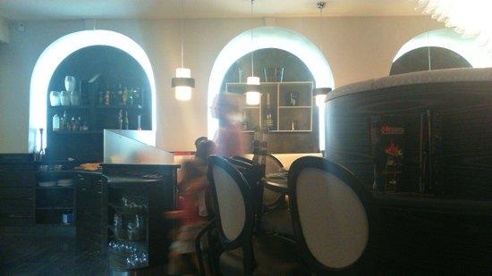 Le Mirador: Inside Restaurant