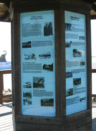 Informational signs, Siletz Bay Park