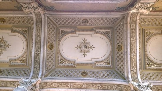 Hotel Imperial Vienna: Ceiling detail
