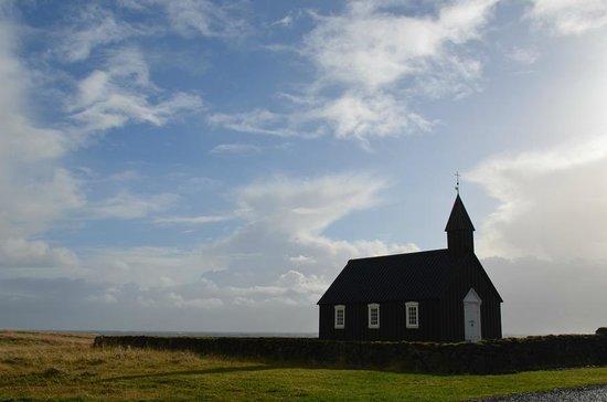 Hotel Budir: Church on the grounds