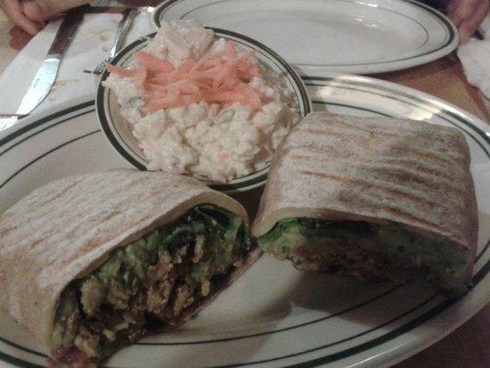 Jackson Hole Burgers: WRAP Guacamole + Ensalada Papas con mayonesa