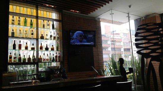 Mercure Bogota BH Zona Financiera: Bar