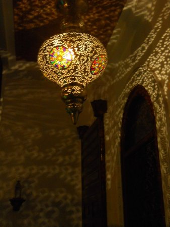 Riad Rafaele : éclairage féérique de la galerie ......