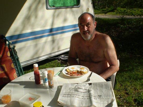 La Brande Camping Caravaning: Petit-dejeuner anglaise