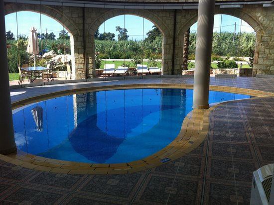 Caldera Villas : Indoor pool - there are only two properties that have full indoor pools the other 5 have indoor/