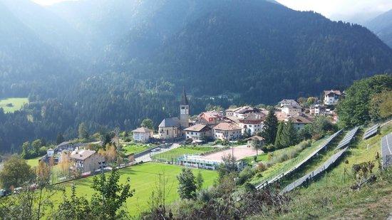 Rumo, Italia: Panorama del paese