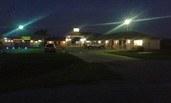 Riviera Inn & Suites