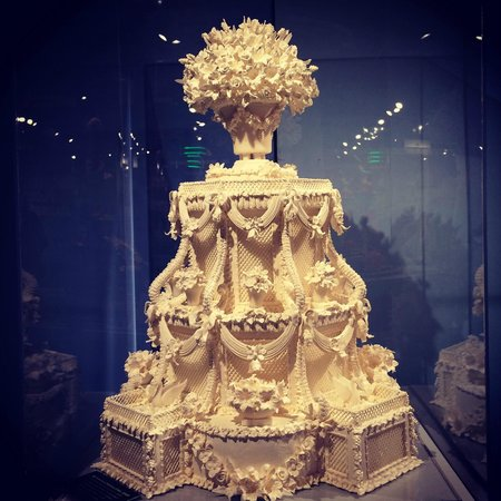 Cake Art Jeddah : wedding cake - Picture of Culinary Arts Museum, Providence ...