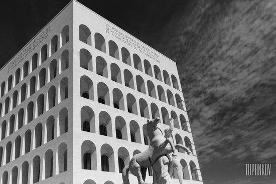 colosseoquadrato eur roma picture of palazzo della civilta