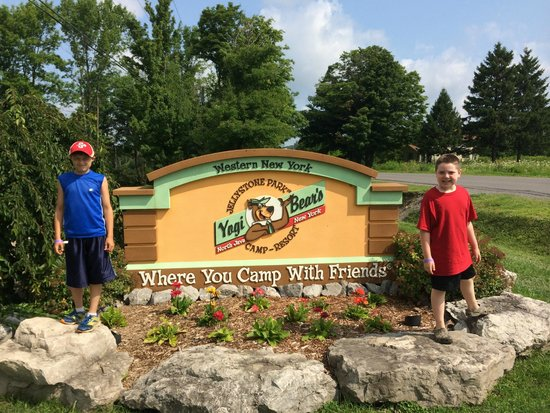 Jellystone Park of Western New York: Jellystone - Where you camp with friends!