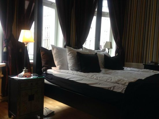 Hotel Kung Carl, BW Premier Collection: Big and a very comfortable bed!