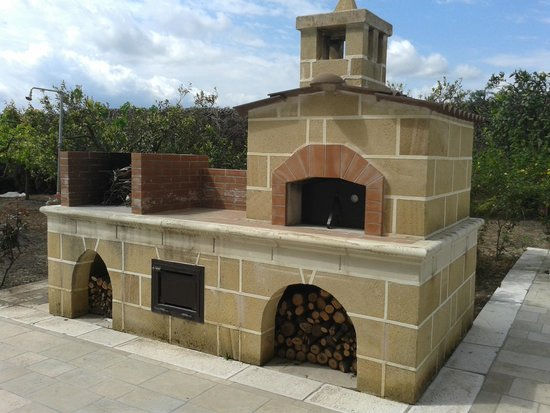 Villa gloria barbecue e forno with barbecue forno - La casa del barbecue brescia ...