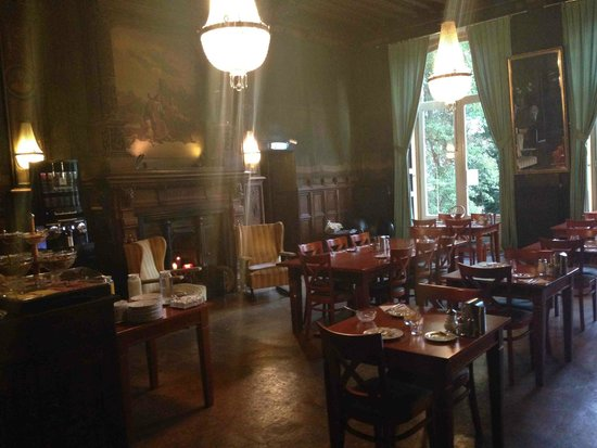 Hotel Rembrandt: The breakfast room