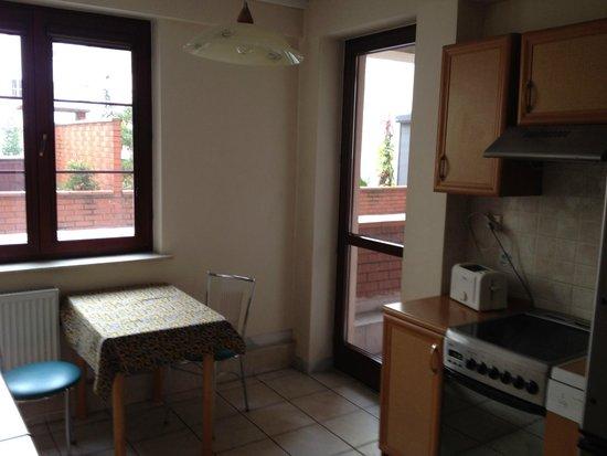 LeoApart : Kitchen with balcony