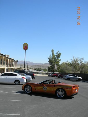 Super 8 Barstow: View from the parking lot.