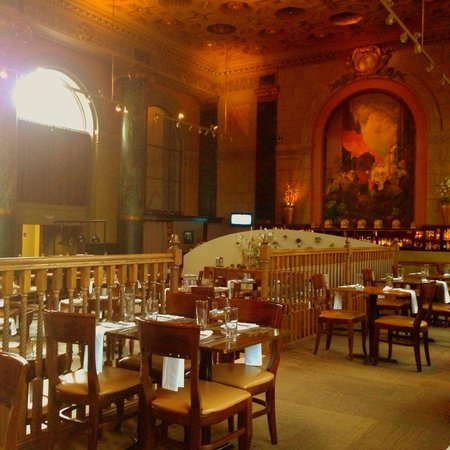 Crop Bistro: A glimpse of the place... So spectacular!