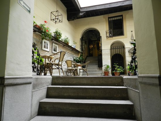 Palacio de Mariana Pineda : entry foyer