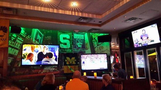 Ashton's Alley Sports Bar : Tv's at ashtons october 2014