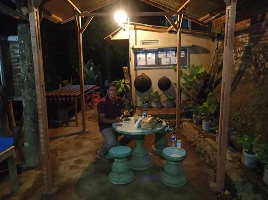 Munduk, Indonesia: the eating area to eat what your have been cooking