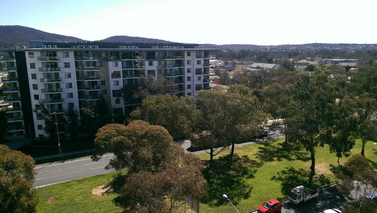 Medina Serviced Apartments Canberra, James Court: View north up Northbourne