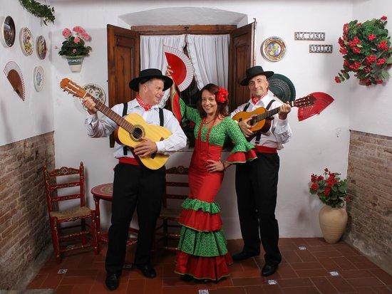 La Casa Vella - Flamenco in Barcelona: Here's how our pose came out- so much fun!