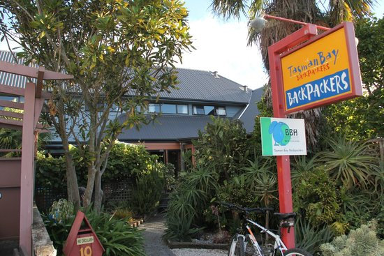 Tasman Bay Backpackers: Entrada