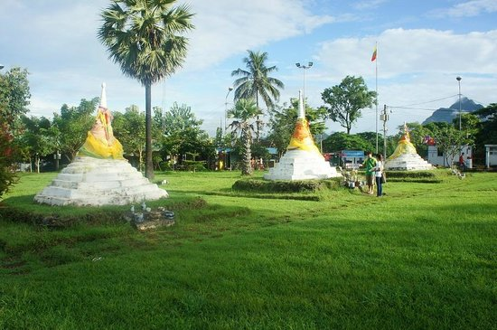 Pagoda - Picture of Three Pagodas Pass, Sangkhla Buri ...