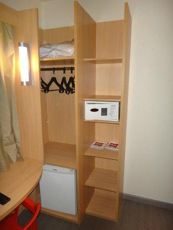 Hotel ibis Rio de Janeiro Centro: Closet space