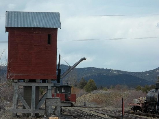 Sumpter Valley Railway: I wandered while the girls played