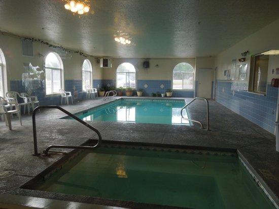 Super 8 Vernal UT: Nice pool