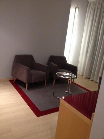 Tryp Barcelona Aeropuerto Hotel: Lounge area