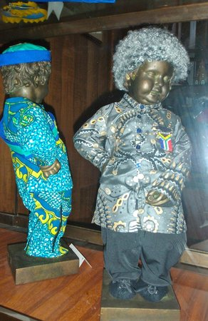 Museum of the City of Brussels (Musee de la Ville de Bruxelles) : Nelson Mandela costume on the right