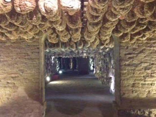 Antica Corte Pallavicina Relais: Hams maturing