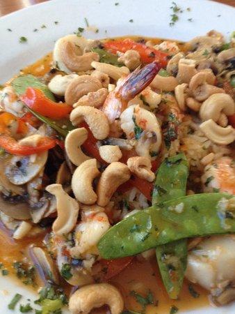 Dinky's Restaurant: Thai scallops and shrimp.
