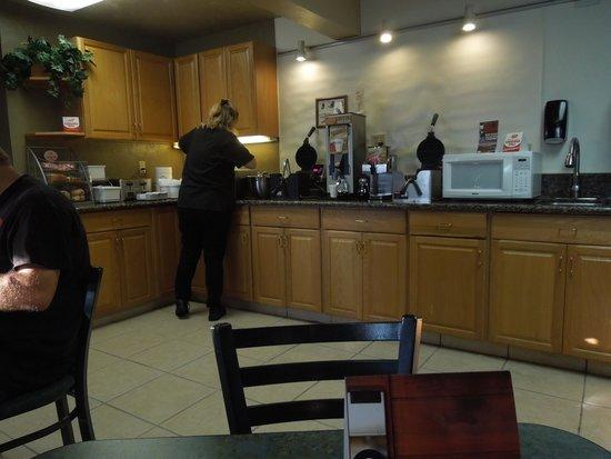 Super 8 Idaho Falls : Breakfast area