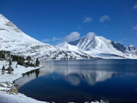 Skoki Lodge: Ptarmagan Lake, after the first snowfall