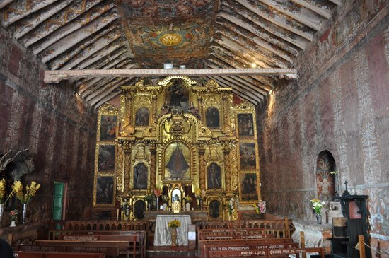 Urcos, เปรู: Chapel of Our Lady of Purified Canincunca, altar