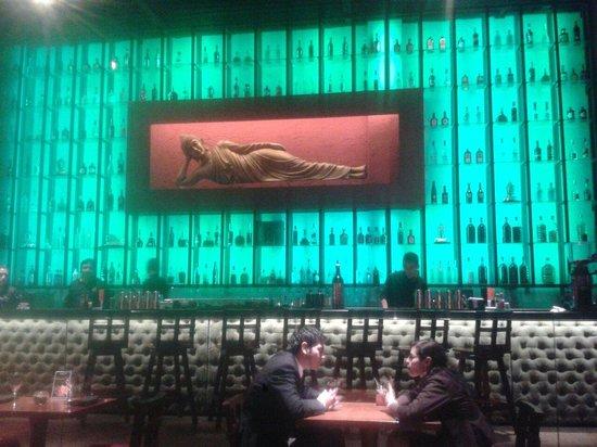 Sukha Asian Cuisine: Decor - reclining Buddha at the Bar :-(